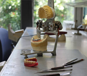 preparazione protesi laboratorio odontotecnico duemmedental